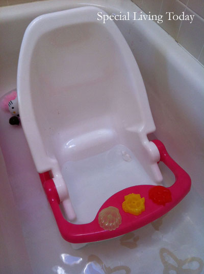 Dream on Me Ultra 2-in-1 Infant Bath Tub & Toddler Bath Seat